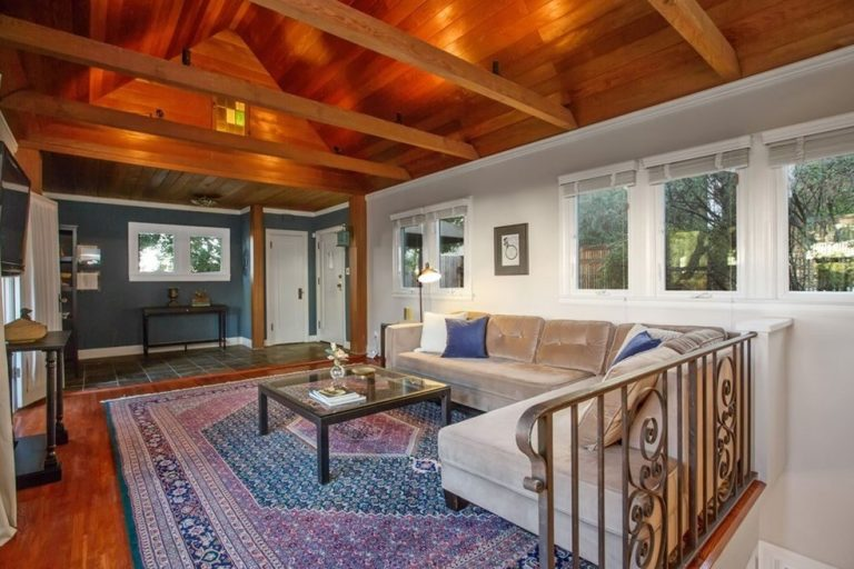 Woodsy Creative Contemporary Bungalow in Silver Lake!